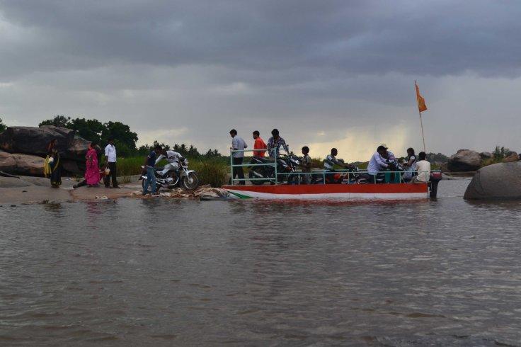 Crossing Tungabhadra River, Hampi